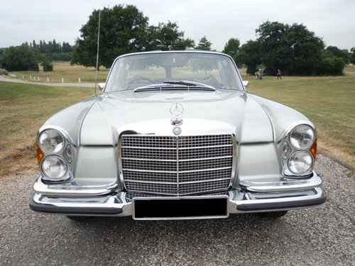 1971 Mercedes 280 SE 3.5 Convertible For Sale (picture 2 of 6)