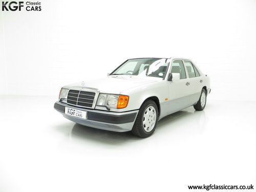 1993 A Powerful Mercedes-Benz W124 320E with 32 Service Stamps SOLD (picture 2 of 6)
