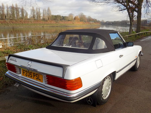 1989 Mercedes 300SL Sports Convertible with Electric Roof  For Sale (picture 5 of 6)