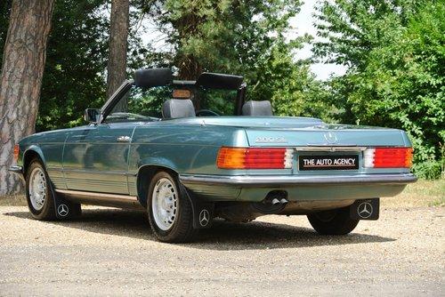 1984 MERCEDES-BENZ 280SL **FANTASTIC SERVICE FILE** For Sale (picture 2 of 6)