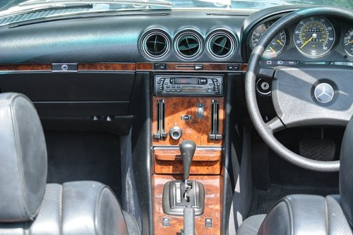 1984 MERCEDES-BENZ 280SL **FANTASTIC SERVICE FILE** For Sale (picture 4 of 6)