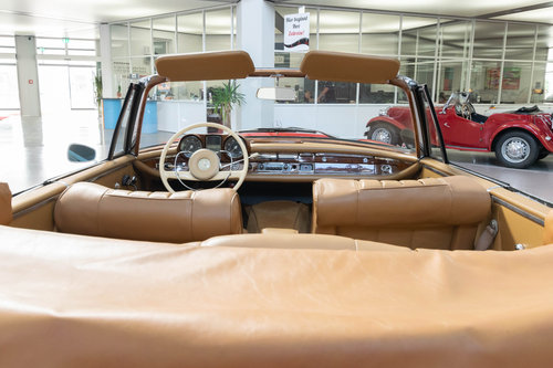1965 Mercedes-Benz 220 SEb Convertible For Sale (picture 5 of 6)