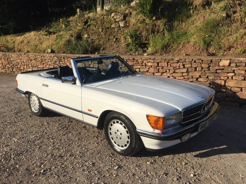 1987 MERCEDES 300SL SPORTS W107 SOLD (picture 1 of 6)