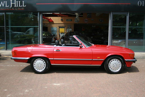 1988 Mercedes-Ben 500SL - Signal Red - 52,892 mild For Sale (picture 2 of 6)