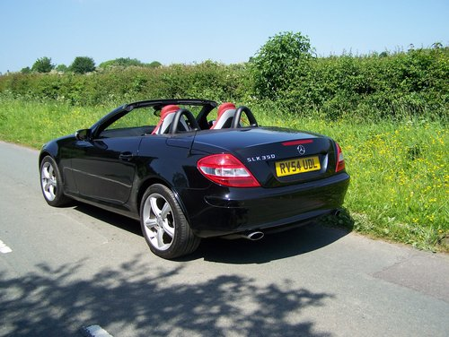 BEAUTIFUL 2004 (54) SLK 350 EXTENSIVE SERVICE HISTORY        SOLD (picture 3 of 6)