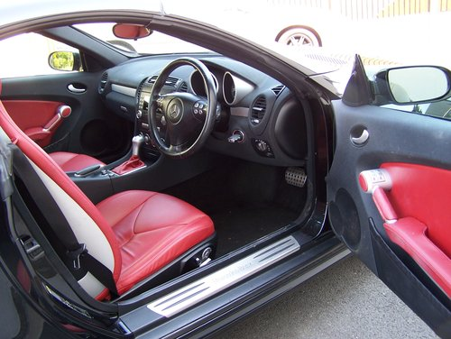 BEAUTIFUL 2004 (54) SLK 350 EXTENSIVE SERVICE HISTORY        SOLD (picture 4 of 6)
