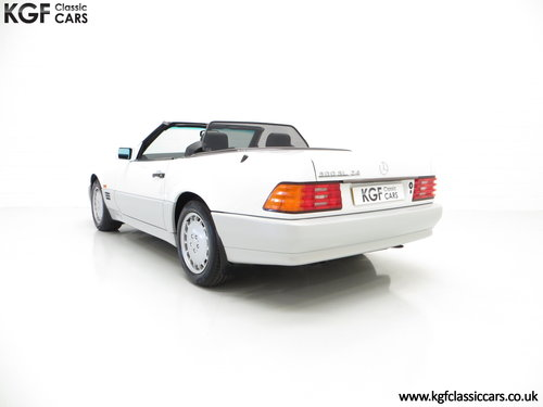 1990 A Desirable Mercedes-Benz 300SL-24 R129 with 27,227 Miles SOLD (picture 4 of 6)