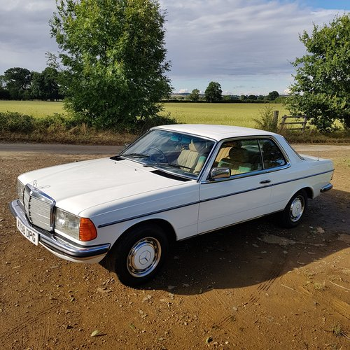 Mercedes W123 230CE Pillarless Coupe 1984 £9,995 SOLD (picture 3 of 6)
