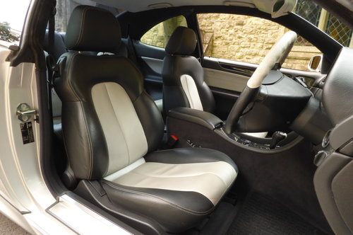 2000 Mercedes Benz CLK 55 AMG V8 COUPE (Just 60734 miles) For Sale (picture 2 of 6)