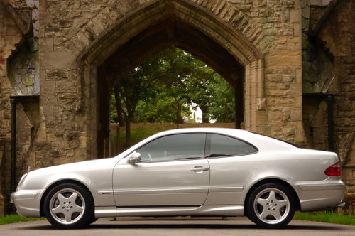 2000 Mercedes Benz CLK 55 AMG V8 COUPE (Just 60734 miles) For Sale (picture 4 of 6)