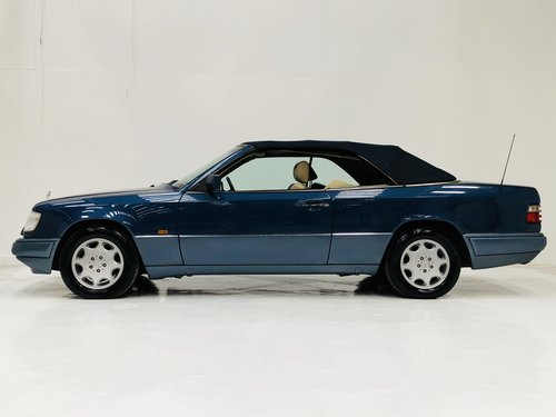 1994 MERCEDES-BENZ W124 E320 CABRIOLET CONVERTIBLE - SUPER SOLD (picture 3 of 6)