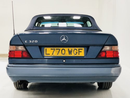 1994 MERCEDES-BENZ W124 E320 CABRIOLET CONVERTIBLE - SUPER SOLD (picture 4 of 6)