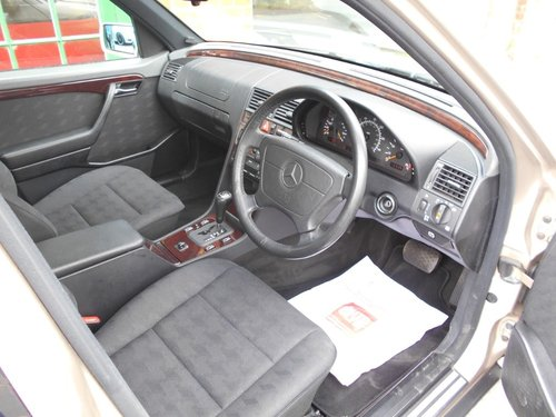 1997 Mercedes C180 Elegance Automatic SOLD (picture 4 of 5)