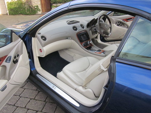 2004 Mercedes Benz SL500 For Sale (picture 5 of 6)