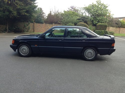 https://uploads.carandclassic.co.uk/uploads/cars/mercedes/10545167.jpg