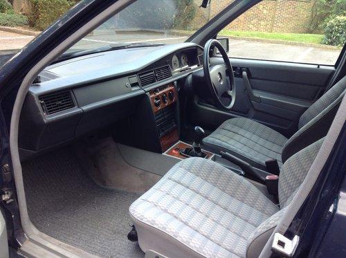 https://uploads.carandclassic.co.uk/uploads/cars/mercedes/10545169.jpg