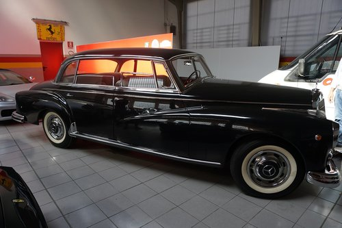 1958 Mercedes Benz 300d Adenauer SOLD (picture 1 of 3)