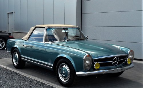 1967 MERCEDES 250 SL PAGODA LHD 53900 MILES SOLD (picture 1 of 6)