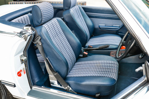1986 Mercedes-Benz 300SL (R107) #2041 For Sale (picture 3 of 6)