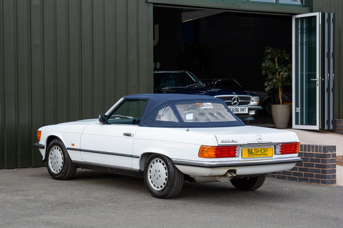 1986 Mercedes-Benz 300SL (R107) #2041 For Sale (picture 4 of 6)
