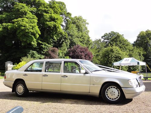 1992 Mercedes 6 door limousine For Sale (picture 1 of 6)