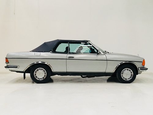 1981 MERCEDES-BENZ 230CE W123 CONVERTIBLE - LIGHT PROJECT SOLD (picture 5 of 6)