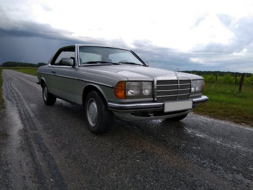 1983 Mercedes 280 CE W123  For Sale (picture 1 of 6)