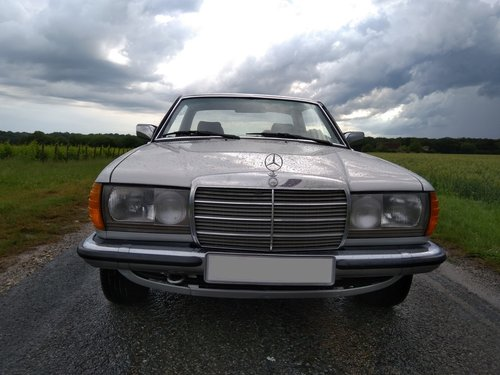 1983 Mercedes 280 CE W123  For Sale (picture 2 of 6)