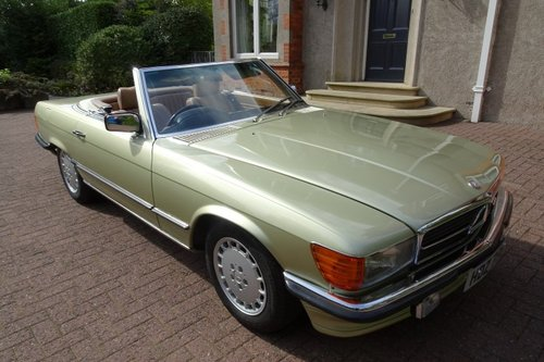 Exceptional Low Mileage 1984 Mercedes Benz 280SL For Sale (picture 1 of 6)