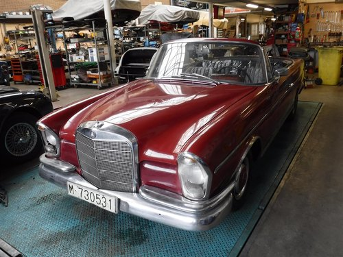 1969 Mercedes 300 SE for sale For Sale (picture 1 of 6)