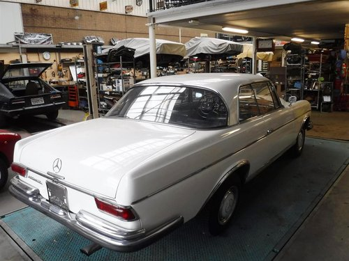 1966 Mercedes 300 SE coupe white for sale For Sale (picture 3 of 6)