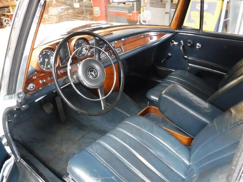1966 Mercedes 300 SE coupe white for sale For Sale (picture 4 of 6)