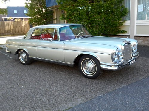 1965 Mercedes 300 SE LIKE NEW !! For Sale (picture 1 of 6)