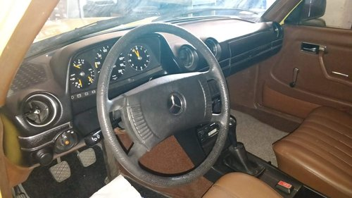 1982 Mercedes-Benz 200E W123 - 62.000 Km For Sale (picture 4 of 6)