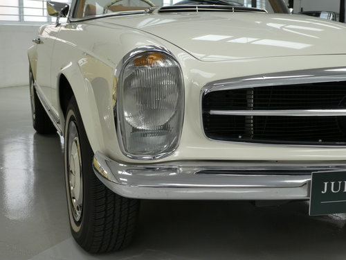 1967 Mercedes Benz 280 SL Pagoda SOLD (picture 3 of 6)