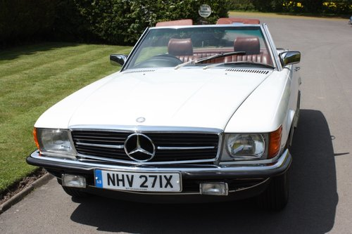 1982 Mercedes 500SL W107 only 32,000 miles -immaculate For Sale (picture 1 of 6)