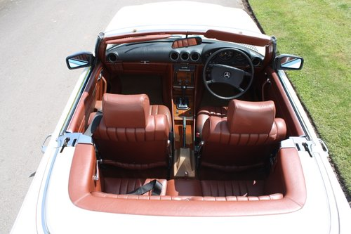 1982 Mercedes 500SL W107 only 32,000 miles -immaculate For Sale (picture 5 of 6)