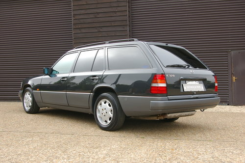1993 Mercedes-Benz W124 E320 Estate Automatic (6,0021 miles) SOLD (picture 3 of 6)