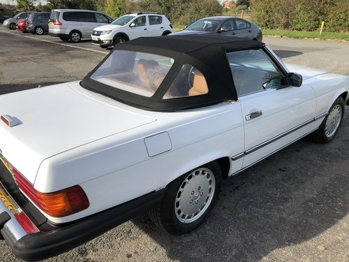 1988 Stunning Mercedes 560sl only 61,000 miles For Sale (picture 3 of 6)