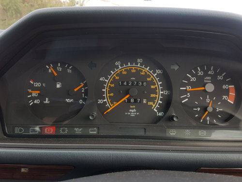1991 Mercedes 230TE W124 5 speed manual For Sale (picture 5 of 6)
