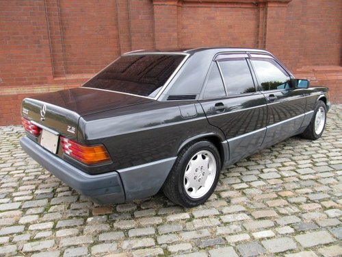 1993 MERCEDES-BENZ 190E 2.6 AUTOMATIC * MODERN CLASSIC For Sale (picture 4 of 6)