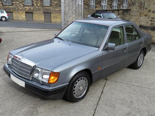 1990 Mercedes W124 260E Auto - 47K - Excellent History - Superb  SOLD (picture 1 of 6)