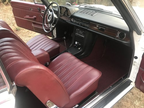 1969 Mercedes Benz 250CE 5-speed manual For Sale (picture 5 of 6)