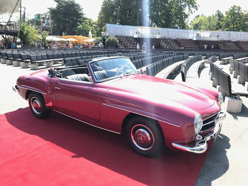 1957 Fully restored 190 SL in original color combination For Sale (picture 1 of 6)