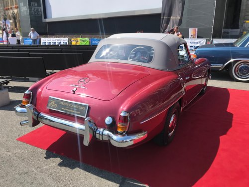 1957 Fully restored 190 SL in original color combination For Sale (picture 4 of 6)