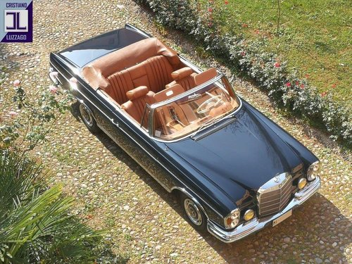 A LEGENDARY CRUISER, WONDERFUL 1964 MERCEDES 220 SE CONVERTI For Sale (picture 1 of 6)