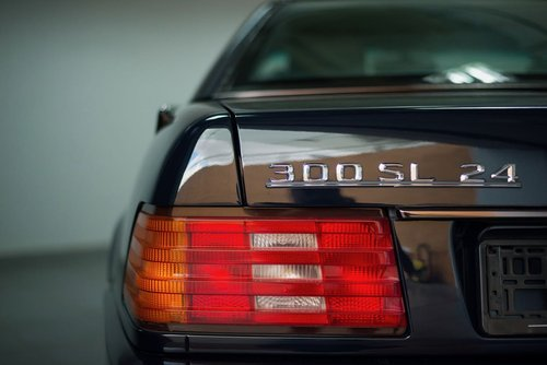 1993 Elegant 300 SL-24 R129 in top condition For Sale (picture 2 of 6)