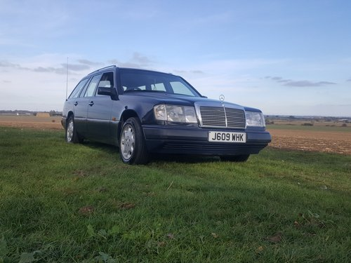 1991 Mercedes 230TE W124 5 speed manual For Sale (picture 1 of 6)