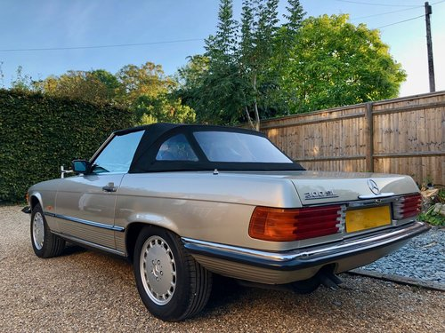 1988/F - Mercedes 300SL R107. **SOLD** 420SL 500SL. For Sale (picture 2 of 6)