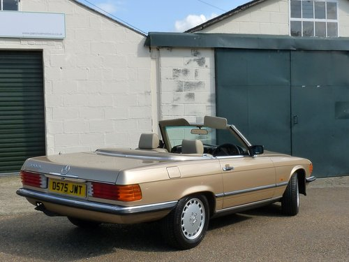 1986 Mercedes 300 SL, in beautiful condition, SOLD SOLD (picture 2 of 6)
